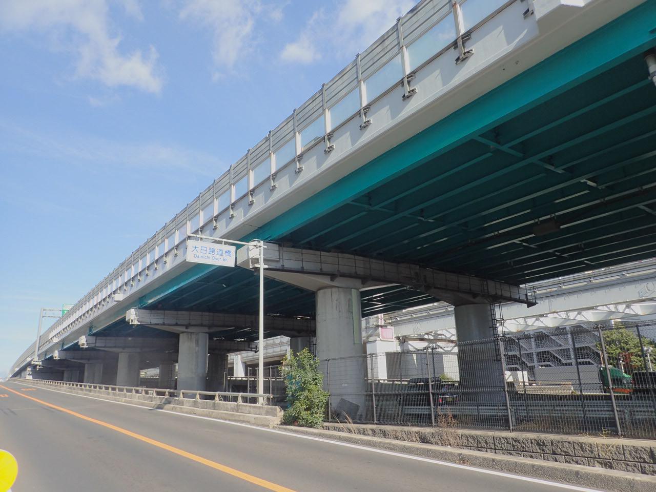 近畿自動車道松葉高架橋(大阪府)